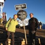 Wir am Poon Hill Schild